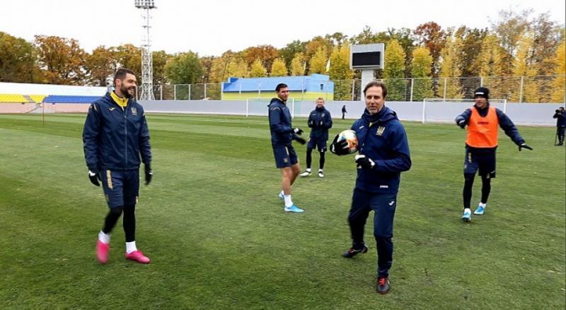 Збірна України з футболу продовжує підготовку до двох жовтневих матчів відбору на Євро-2020