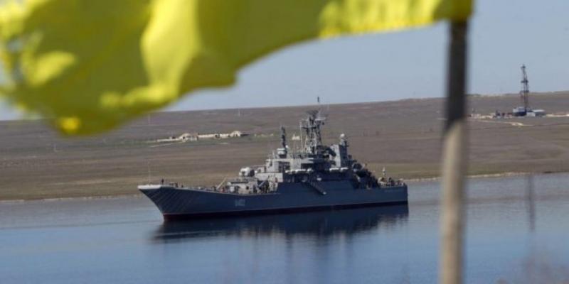 Росія утричі збільшила тривалість утримування українських суден перед Керченською протокою