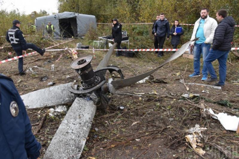 Авіакатастрофа АН-12 біля Львова: Правоохоронці допитали трьох потерпілих