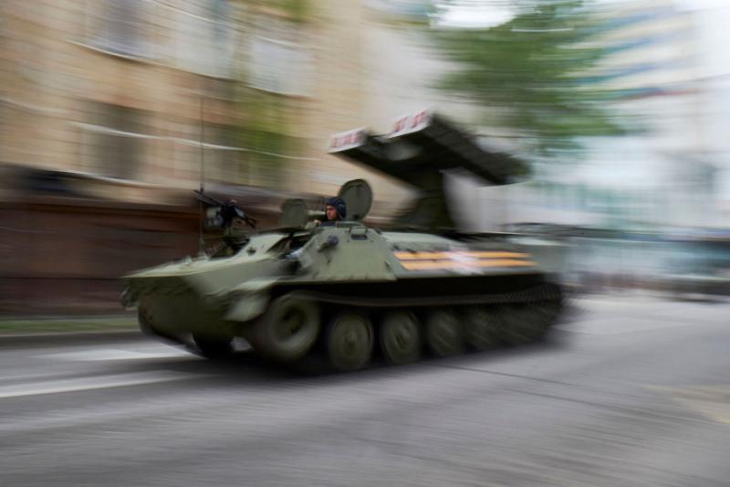 НЗФ за допомогою безпілотників приховують переміщення бронетехніки, – розвідка