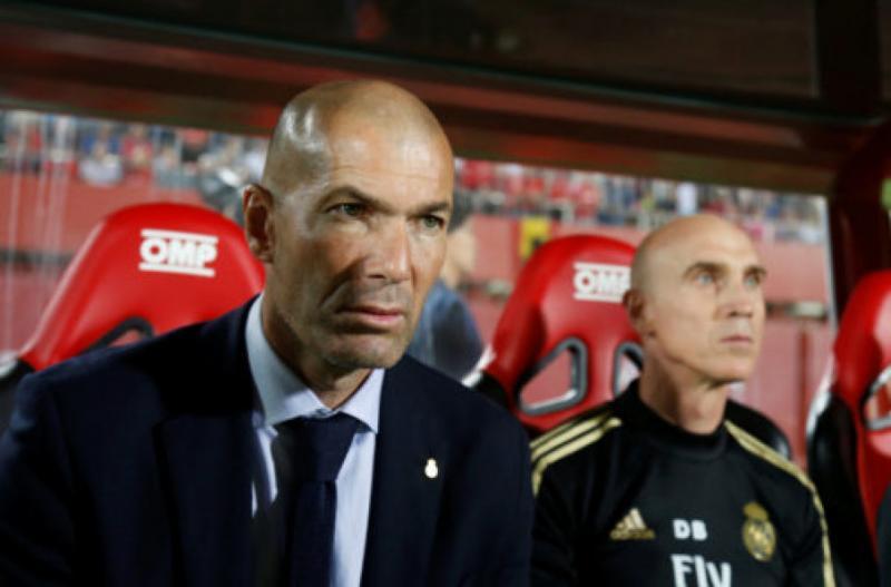 ЗМІ: «Реал» може звільнити Зінедіна Зідана, якщо команда програє «Галатасараю» в Лізі чемпіонів