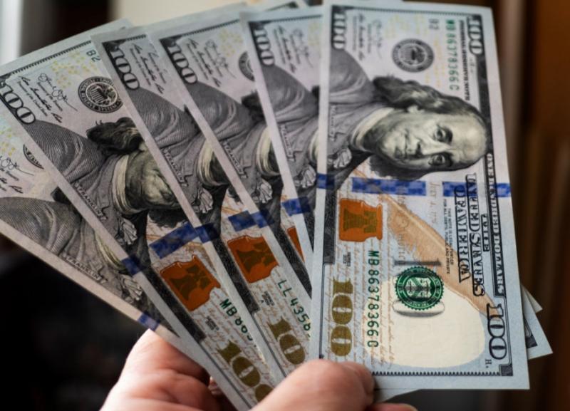 Курси валют у банках: долар - 24,60 гривень, євро - 27,15 гривень