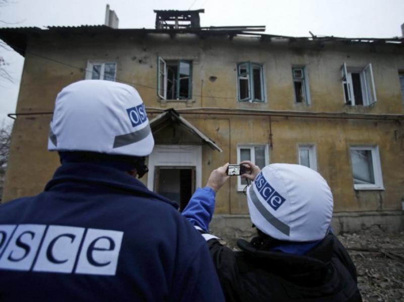 СММ ОБСЄ зафіксувала, що через обстріл з боку НЗФ зазнав поранення 16-річний хлопець