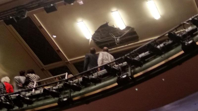 У Лондоні на глядачів обвалилася частина стелі театру, є постраждалі