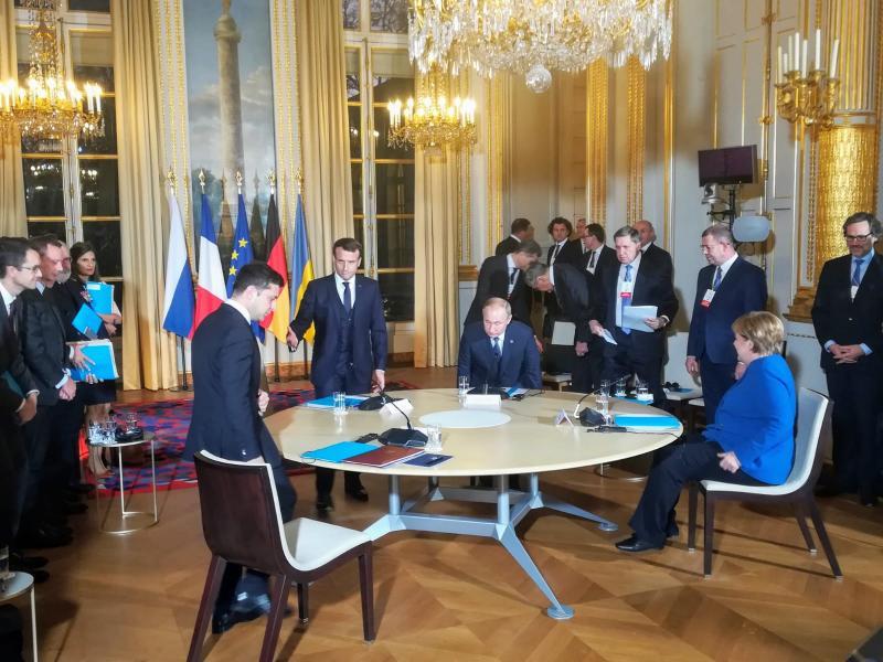 У Парижі почалися переговори чотирьох лідерів у нормандському форматі