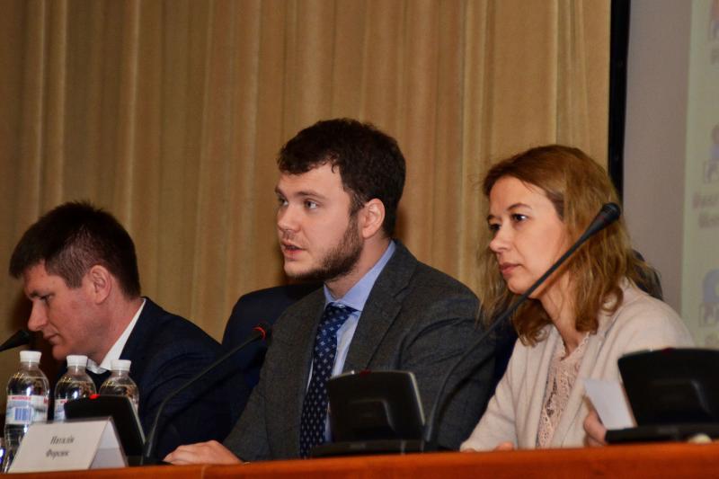 Міністр інфраструктури Владислав Криклій зустрівся із представниками автомобільних перевізників