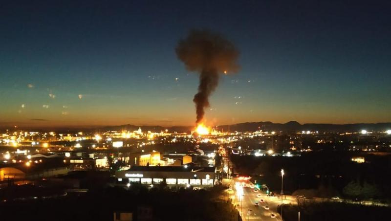 На нафтохімічному заводі BASF у Каталонії - вибух та масштабна пожежа