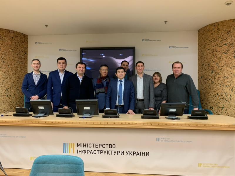 Україна зацікавлена у розвитку цифрових транспортних коридорів, - Владислав Криклій