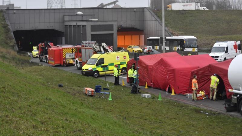 У Бельгії в ДТП за участі двох автобусів загинула людина, майже пів сотні поранених