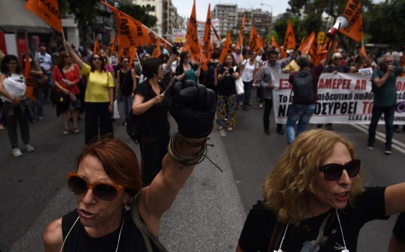 У Греції через протест вчителів заблокований центр Афін