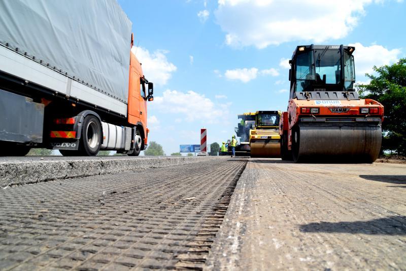 У цьому році у Львівській області буде відновлено в 10 разів більше доріг, ніж у 2019-му, - Владислав Криклій
