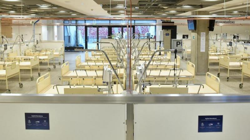 У Варшаві на Національному стадіоні відкрили госпіталь для хворих на коронавірус