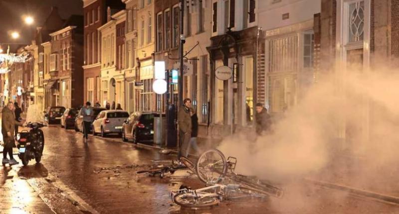 """150 затриманих: у Нідерландах минув другий вечір """"коронавірусних"""" заворушень"""