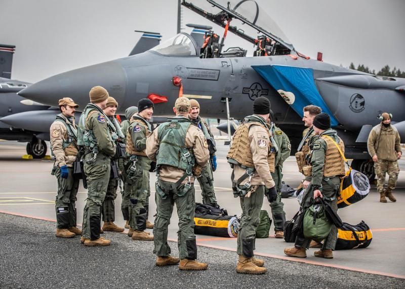 До Естонії прибули вісім американських винищувачів для участі у навчаннях