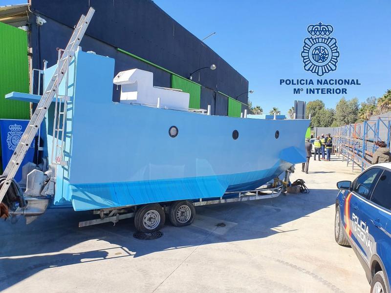 В Іспанії під час спецоперації знайшли саморобний підводний човен наркоторговців