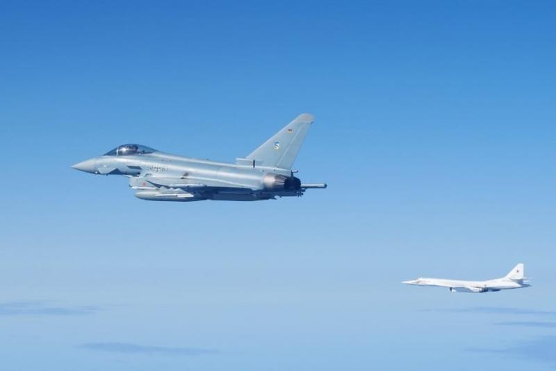 Літаки НАТО перехопили над Балтією бомбардувальники і винищувачі РФ
