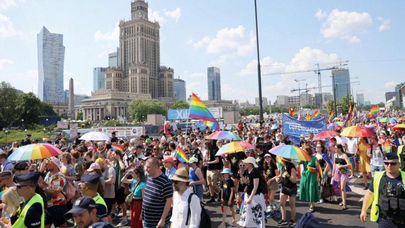 У Варшаві пройшов багатотисячний марш за права ЛГБТ