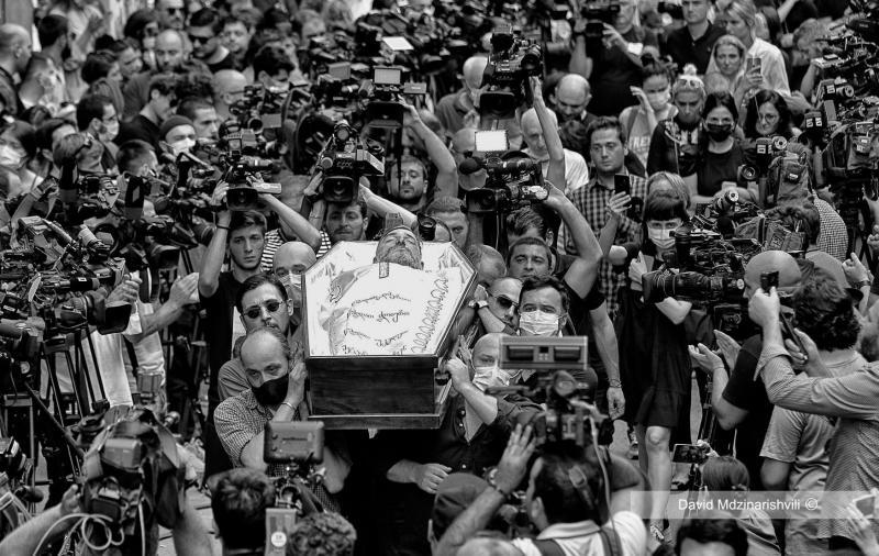 """""""Задля Лексо"""": у Грузії ЗМІ на 10 хвилин зупинили мовлення у пам"""