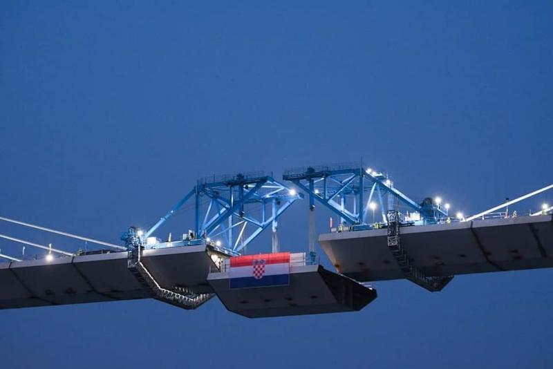 В Хорватії завершили спорудження мосту, що з