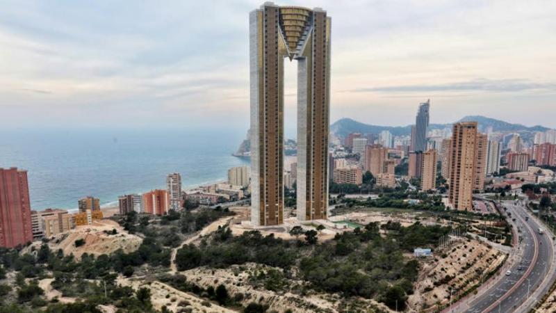 В іспанському Бенідормі завершили будівництво найвищого житлового будинку в ЄС
