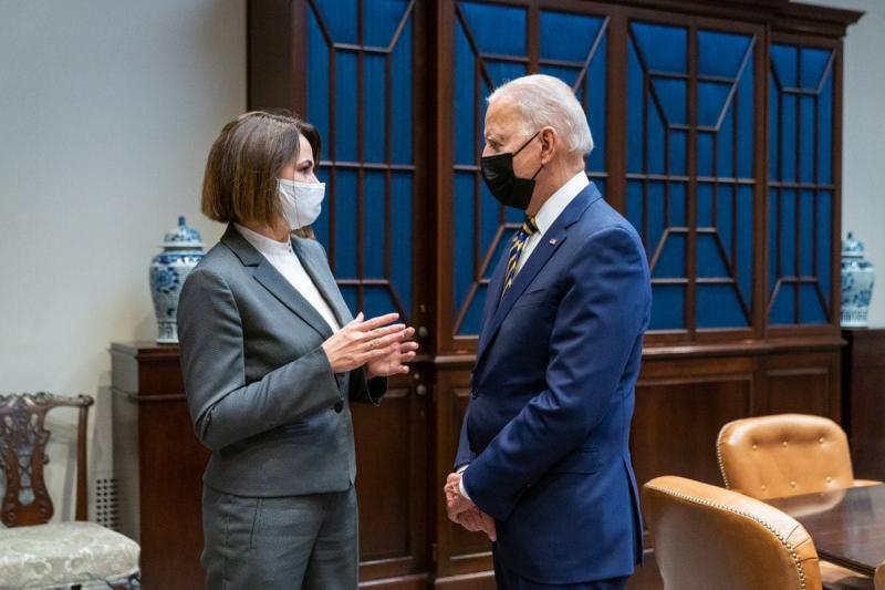 Президент США зустрівся з Тихановською